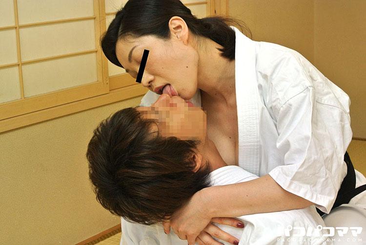柔よく性を制す!~巨乳押さえ込み~ 神崎美樹 1
