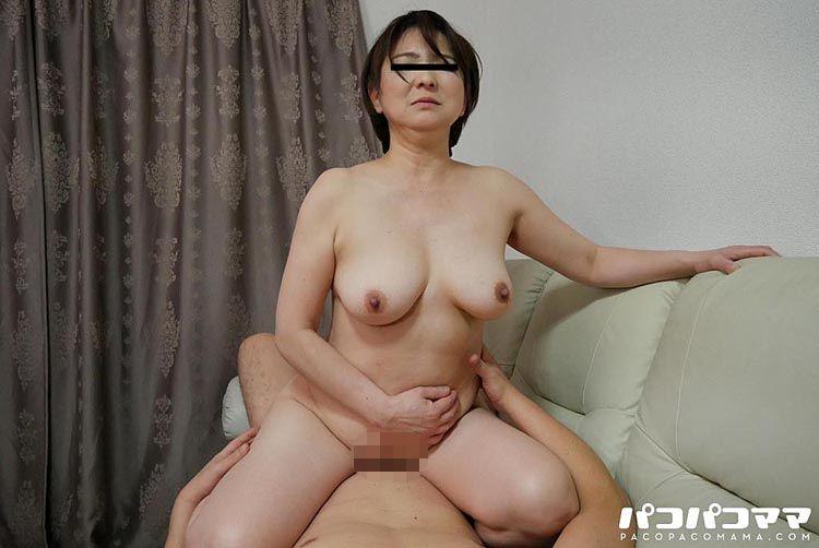 家事が上手な裸エプロンのおばはんに下の世話をお願いしました! 山本やよい 5