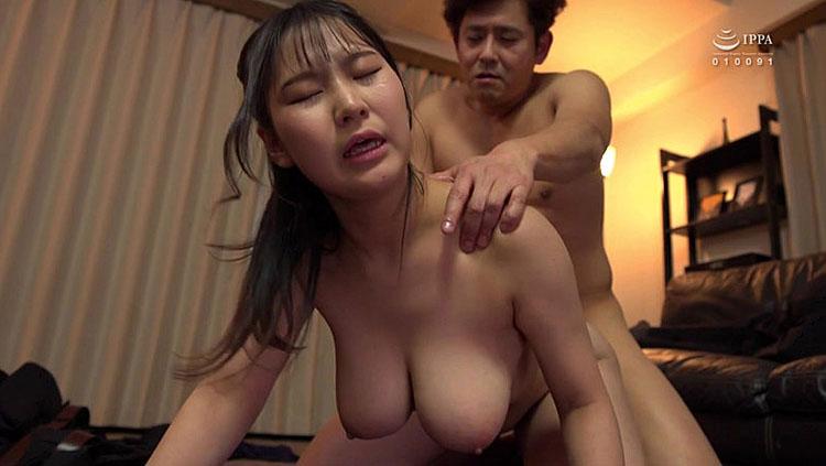 清楚なフリして爆乳で誘惑してくるこっそり痴女お姉さん 神坂朋子(かみさかともこ) 4