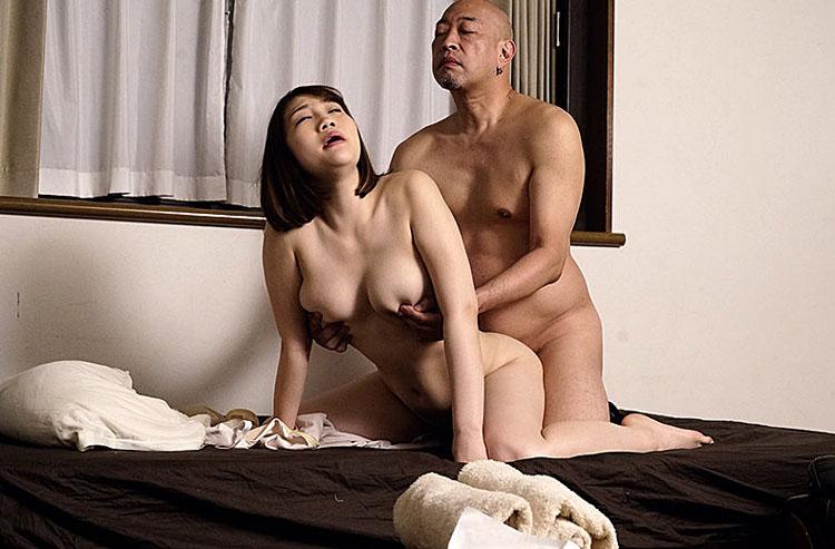 モチモチおっぱいの初接客シングルマザー回春エステ嬢が手籠めにされるまで 神楽りん(かぐらりん) 1